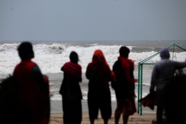 Biển nổi sóng khá mạnh.