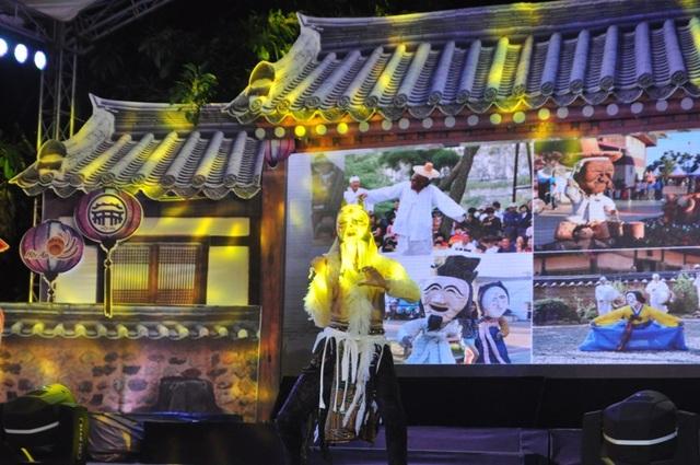 Tiết mục biểu diễn mặt nạ đặc sắc của Andong Hàn Quốc