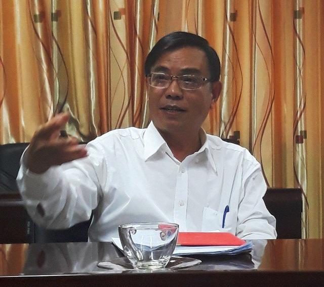 PGS.TS Nguyễn Đình Hiền, Phó Hiệu trưởng Trường ĐH Quy Nhơn khẳng định nhà trường thu học phí theo tín chỉ và tạm thu theo niên chế đúng theo quy định của Nhà nước.