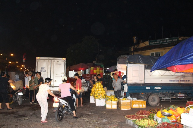 4 khu chợ lâu đời và thú vị không nên bỏ qua ở Hà Nội - 10