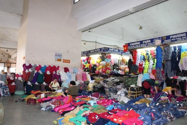 4 khu chợ lâu đời và thú vị không nên bỏ qua ở Hà Nội - 3