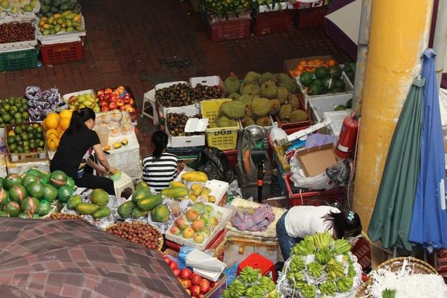 4 khu chợ lâu đời và thú vị không nên bỏ qua ở Hà Nội - 8