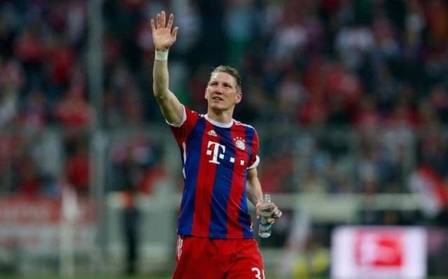 7. Bastian Schweinsteiger (24 danh hiệu): Bundesliga: 2002-03, 2004-05, 2005-06, 2007-08, 2009-10, 2012-13, 2013-14, 2014-15; Regionalliga Sud: 2003-04; Cúp quốc gia Đức: 2002-03, 2004-05, 2005-06, 2007-08, 2009-10, 2012-13, 2013-14; German League Cup: 2004, 2007; Siêu cúp Đức: 2010, 2012; Champions League: 2012-13; UEFA Super Cup: 2013; Club World Cup: 2013; FA Cup: 2015-16.