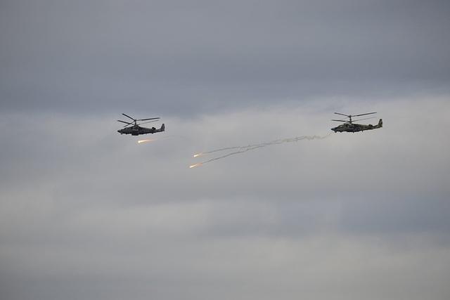 Vào sáng sớm ngày 14/9, các sư đoàn nhảy dù và tấn công Pskov, Tula và Ivanovo của Nga đã nhanh chóng tập hợp và triển khai các cuộc tập trận chống khủng bố.