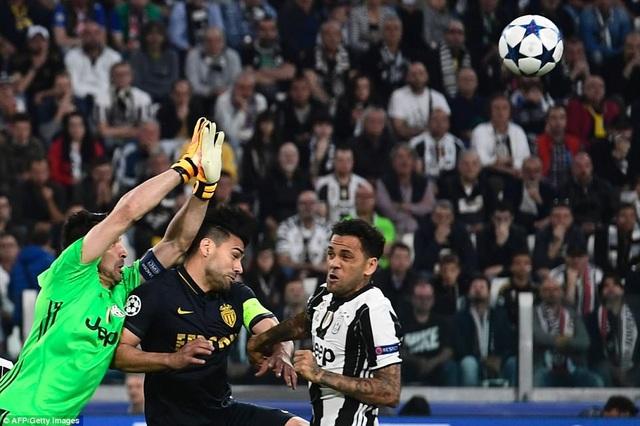 Buffon vẫn là chốt chặn tin cậy ở cầu môn Juventus