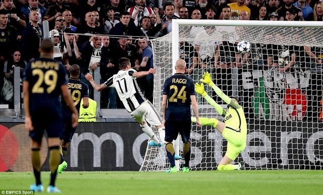 Mandzukic mở tỷ số cho Juventus ở phút 33, nhấn chìm hy vọng của Monaco