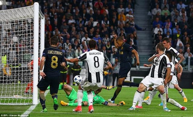 Nhưng bàn thắng của Mbappe ở phút 69 chỉ mang ý nghĩa danh dự
