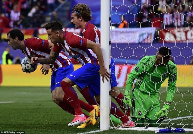 Atleico dẫn 2-0 ở phút 16, nuôi hy vọng lật ngược thế cờ tại Vicente Caleron