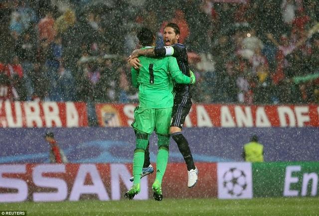 Thủ thành Navas và hậu vệ Ramos là chỗ dựa nơi hàng thủ