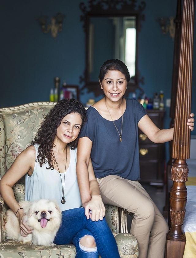 Gia đình của hai người phụ nữ - Cinthia và Mallika, đến từ New Delhi, Ấn Độ.