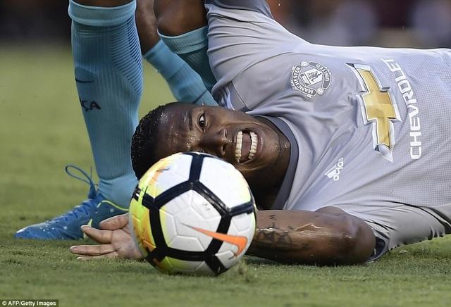 Hậu vệ người Ecuador bị coi là tội đồ khiến MU thua trận