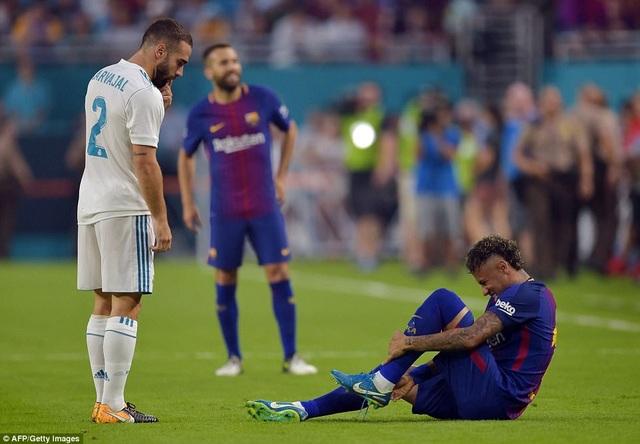 Neymar liên tục bị chấn thương ở trận đấu này