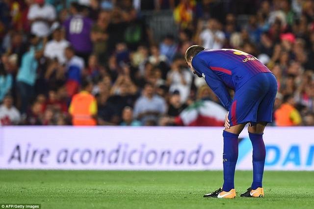 Tội đồ Pique khiến Barcelona gục ngã trước Real Madrid tại Nou Camp