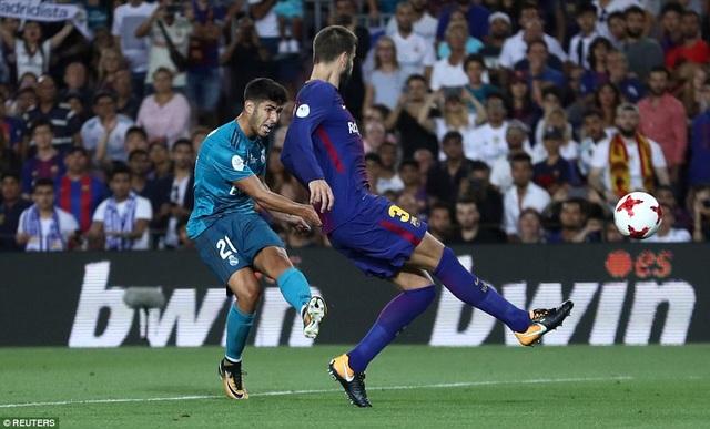 Hậu vệ người Tây Ban Nha phản lưới nhà mở tỷ số cho Real Madrid ở phút 50