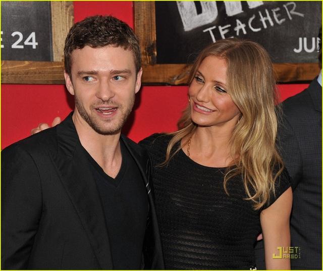 Cameron Diaz và Justin Timberlake - Khoảng cách 8 tuổi: Sau khi chia tay Britney Spears và trước khi đến với người vợ hiện tại - nữ diễn viên Jessica Biel, Justin Timberlake đã từng hẹn hò với nữ diễn viên Cameron Diaz. Sau hơn 3 năm gắn bó, cặp đôi chia tay hồi năm 2007.