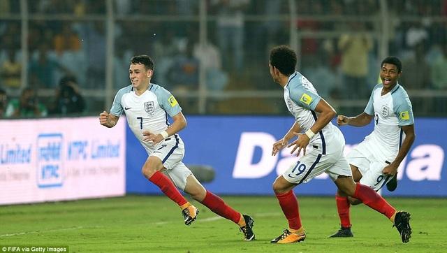 Phil Foden lập cú đúp và giúp U17 Anh ngược dòng xuất sắc