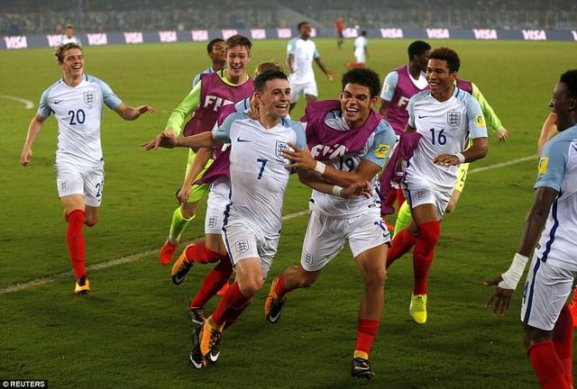 Người Anh giành chiến thắng 5-2 dù bị dẫn trước 2 bàn
