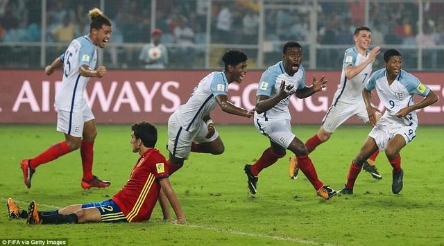 ...dù bị U17 Tây Ban Nha dẫn trước 2-0