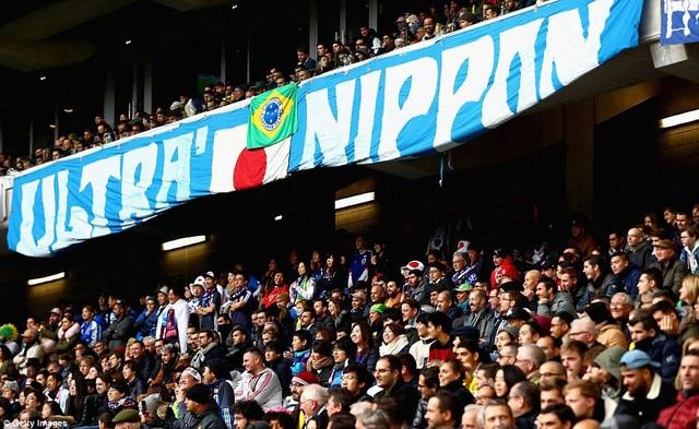 Sân Pierre-Mauroy không còn chỗ trống trong trận giao hữu Brazil-Nhật Bản