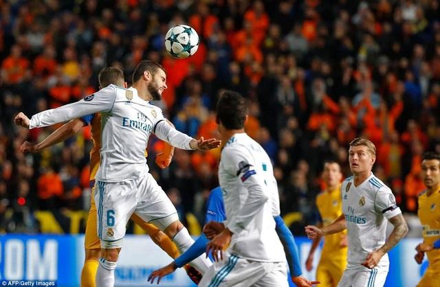 Real Madrid dẫn trước 4-0 sau khi hiệp đấu đầu tiên kết thúc