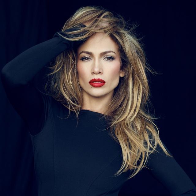 Jennifer Lopez hiện tại có khối tài sản lên tới 300 triệu USD nhưng đường tới thành công cũng không trải hoa hồng cho người đẹp.