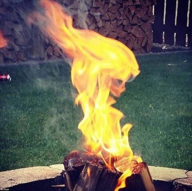 Nữ thần lửa?