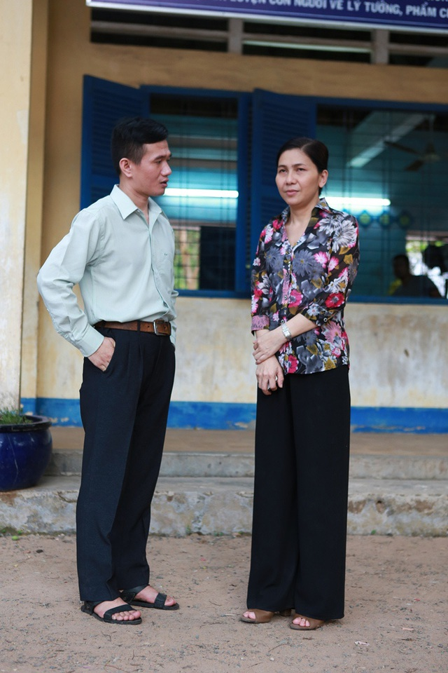 """Phạm Nhật Huy bất ngờ thành """"ông giáo làng"""" - 2"""