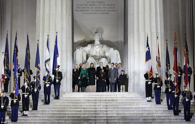 "Khoảnh khắc cuối cùng của sự kiện ""Make America Great Again! Welcome Celebration""."