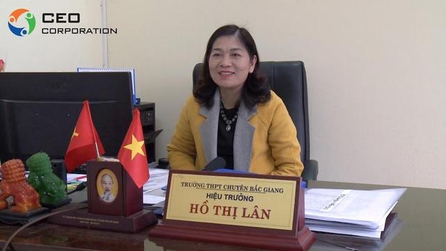 Nhà giáo Ưu tú Hồ Thị Lân - Hiệu trưởng Trường THPT Chuyên Bắc Giang.