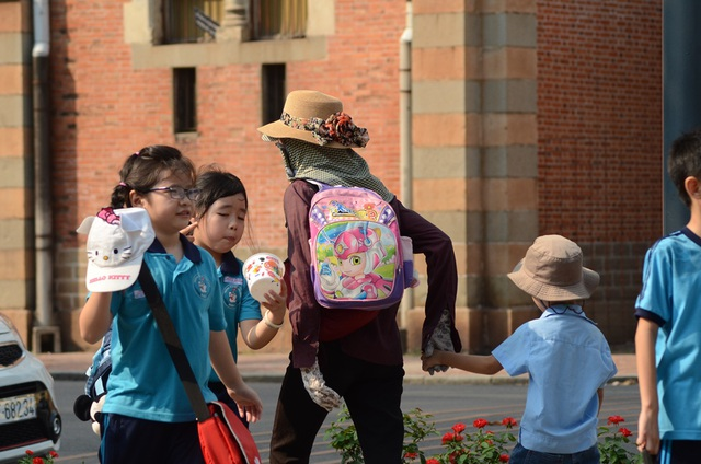 Sài Gòn nắng nóng đến nỗi… không nhận ra nhau - 3