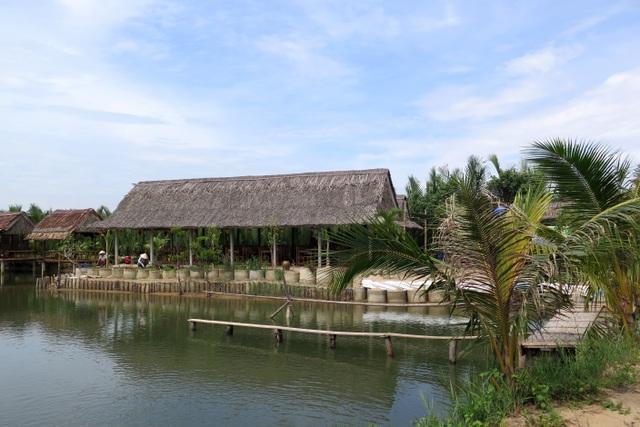 Doanh nghiệp xây dựng các công trình kiên cố trong rừng dừa