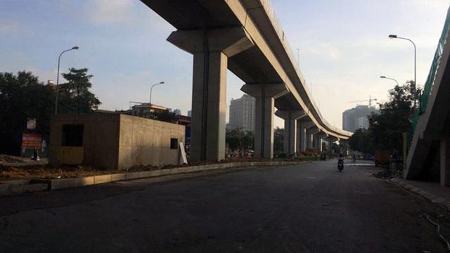 Vệt nắng sớm trên phố Hoàng Cầu.