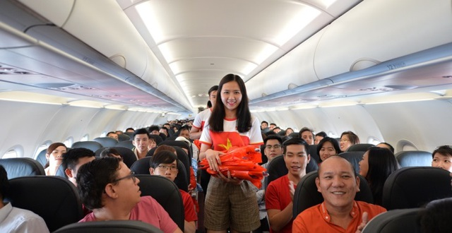 """Gần 200 hành khách Vietjet cùng hát """"Nối vòng tay lớn"""" mừng quốc khánh 2/9 - 5"""