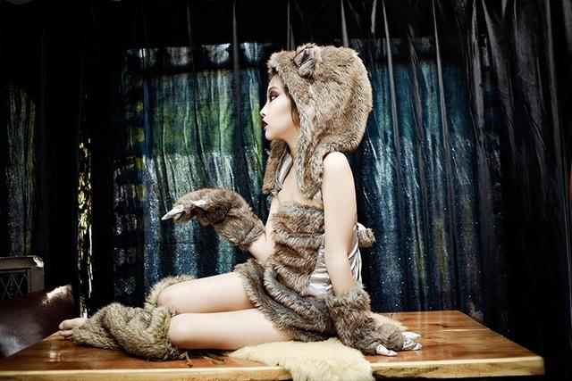 Công chúa ảnh thế giới Lê Huyền Vy thành một người sói đầy kiêu kỳ
