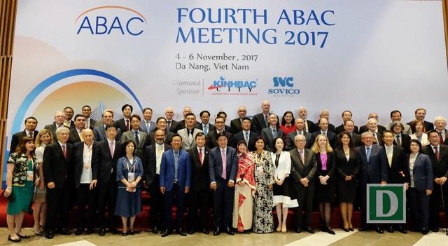 Các thành viên Hội đồng tư vấn doanh nghiệp APEC (ABAC) tham dự kỳ họp thứ 4 năm 2017 tại Đà Nẵng