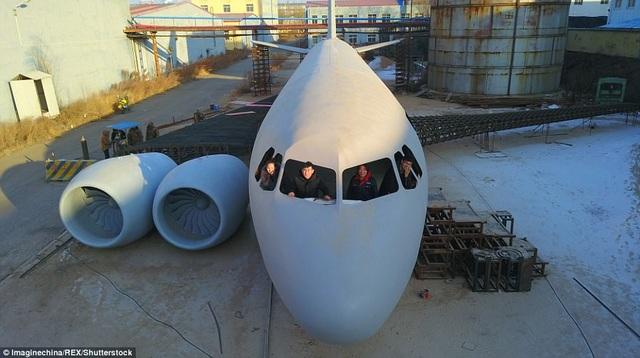 Anh đã thuê một phần trong khu công nghiệp ở Khai Nguyên làm nơi dựng mô hình máy bay. Trước khi bắt tay vào làm, anh đã dành 3 tháng nghiên cứu về các mô hình, bản vẽ kỹ thuật nhằm lên kế hoạch xây dựng cho phiên bản A320 của mình.