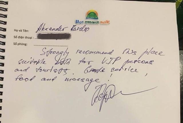 Một vị khách trong đoàn bày tỏ ấn tượng với trải nghiệm du lịch ở Đà Nẵng và mong muốn có dịp trở lại