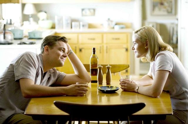 """Về sau, cặp đôi còn từng một lần diễn xuất chung trong """"Revolutionary Road"""" (Khát vọng tình yêu - 2008)."""
