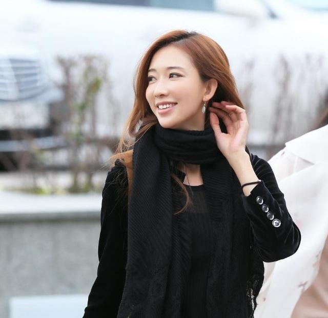 Ở giai đoạn đỉnh cao sự nghiệp, Lâm Chí Linh là người mẫu được trả thù lao cao hàng đầu Đài Loan, cô thường được mời đóng quảng cáo và gây ấn tượng mạnh với cả công chúng Đại lục. Không chỉ vậy, công chúng Nhật Bản cũng khá yêu mến người đẹp họ Lâm, cô từng được mời xuất hiện trong một số chương trình truyền hình của xứ sở mặt trời mọc.