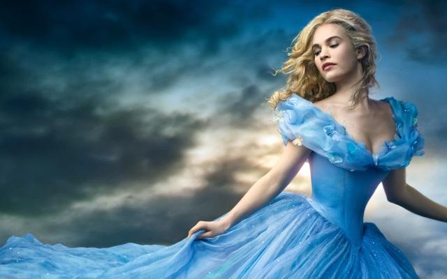 """Nàng Lọ Lem trong """"Cinderella"""" (2015)."""