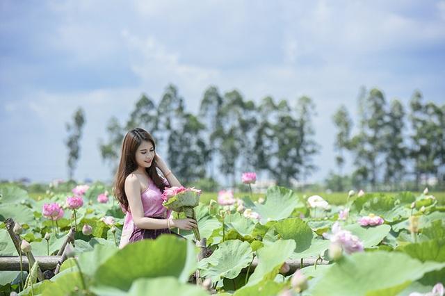 Anisone nói: Mấy ngày nay cũng có người quan tâm tới em, hỏi em về cuộc sống của 1 cô gái Lào ở Việt Nam. Nhiều người bất ngờ khi biết em là người Lào. Tuy vậy, cuộc sống của em cũng không thay đổi nhiều.
