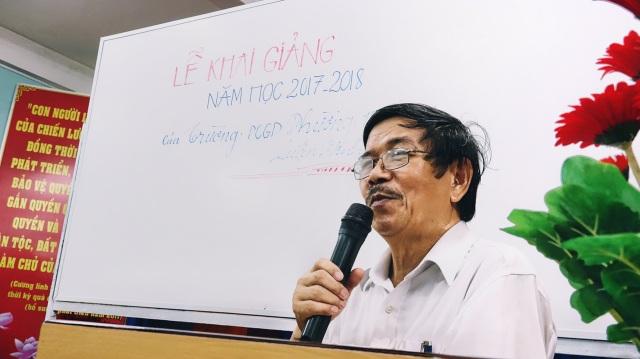 Thầy Tịnh phát biểu khai giảng năm học mới