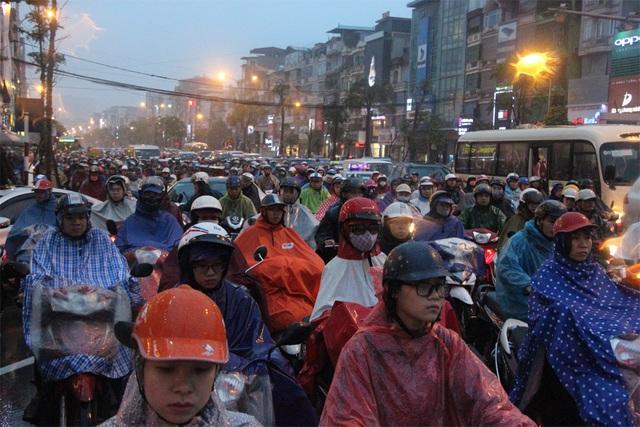 Dự báo, chiều tối và đêm mai miền Bắc sẽ xuất hiện mưa rét (Ảnh minh họa Nguyễn Dương).