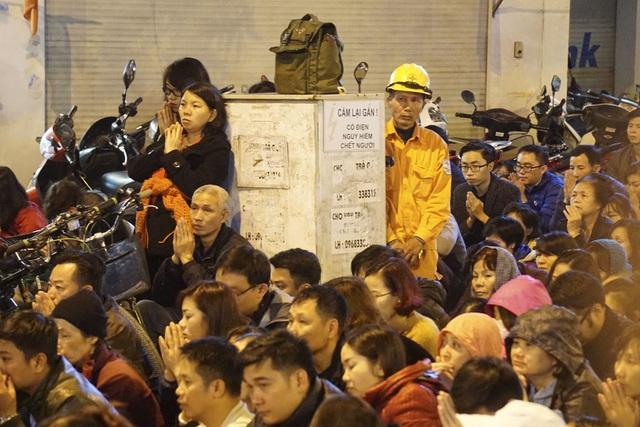 Như thường lệ hàng năm, số lượng người đăng ký tham dự các buổi dâng sao giải hạn tại chùa Phúc Khánh vẫn rất đông.