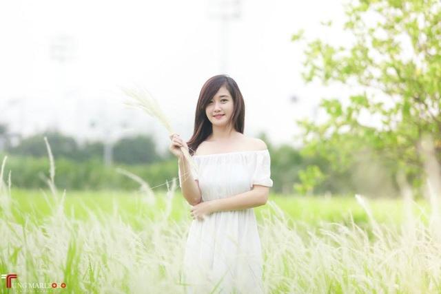 """Thiếu nữ tại chùa Hương bất ngờ được phong... """"hot girl chèo đò"""" - 6"""
