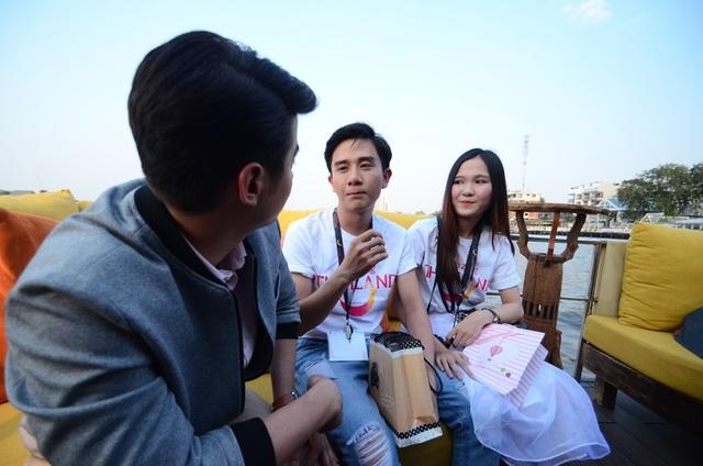 """Mario chia sẻ: """"Tôi không nghĩ các bạn Việt Nam vì yêu mến tôi nên đã miệt mài học tiếng Thái trong hai năm. Càng khó tin hơn là các bạn Việt Nam nói tiếng Thái như... người Thái. Mặc dù có vài chỗ sai nhưng với tôi đó là điều rất dễ thương… Tôi yêu các bạn, yêu con người Việt Nam""""."""