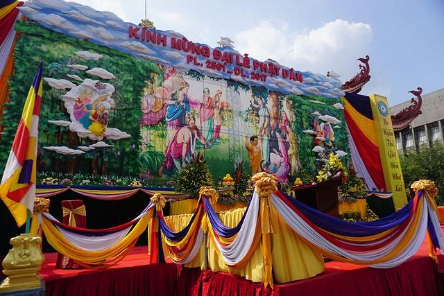Hình ảnh tại các chùa trang trí chuẩn bị đón lễ Phật Đản.