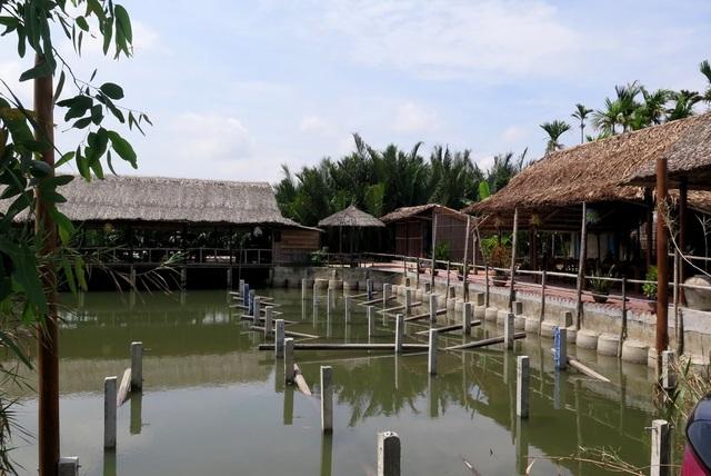Nhà hàng đang mọc lên giữa rừng dừa