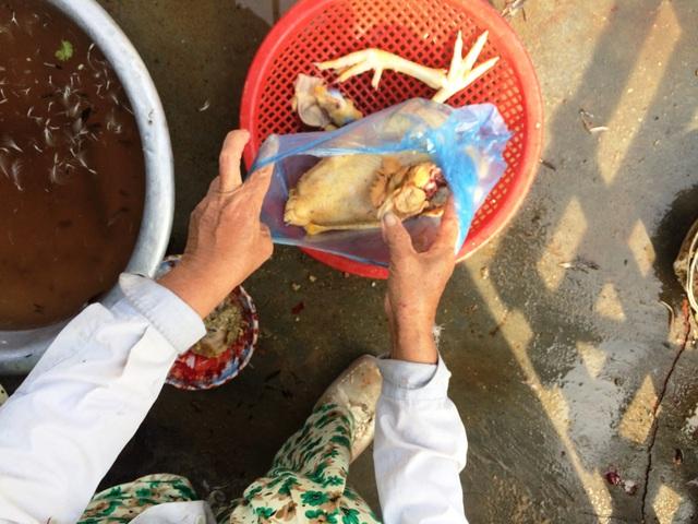 Quá trình làm món thịt vịt - đặc sản không thể thiếu trong mâm cúng