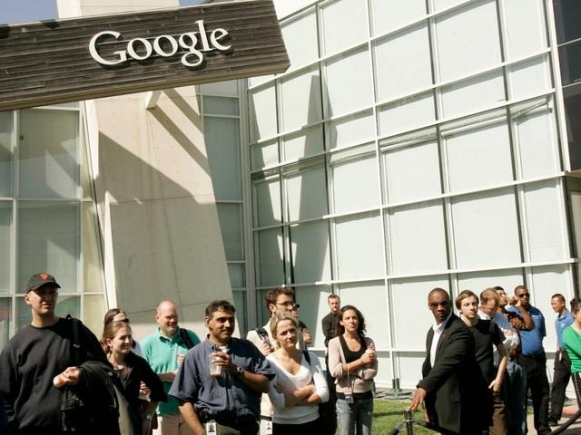 Sau khi tốt nghiệp, Mayer đã có sẵn trong tay 12 công việc đang chờ cô khi ra trường, nhưng lại quyết định tham gia Google, một công ty startup nhỏ vào thời điểm bấy giờ - vốn được chuyên gia nhận định chỉ có 2% cơ hội sống sót. Tuy nhiên bằng một cách nào đó, Mayer vẫn nhiệt tình tham gia và trở thành nhân viên xuất sắc tại đây trong suốt 13 năm làm việc.
